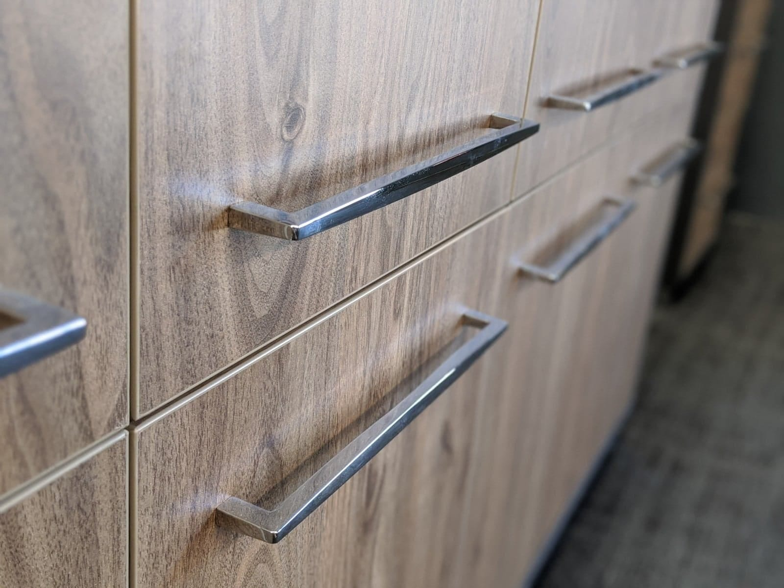 How to Pick the Right Cabinet Handles